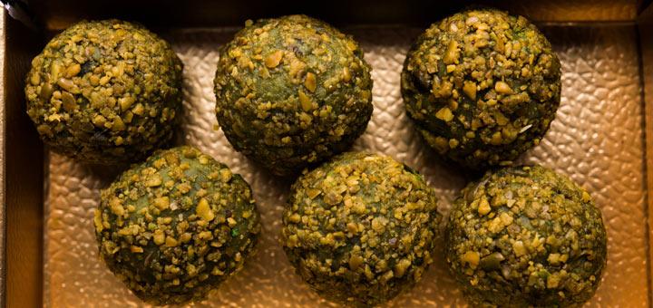 2-Ingredient Pistachio Energy Balls