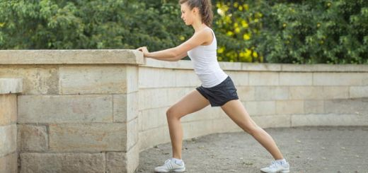 Stiff Knees? These 5 Stretches Will Help